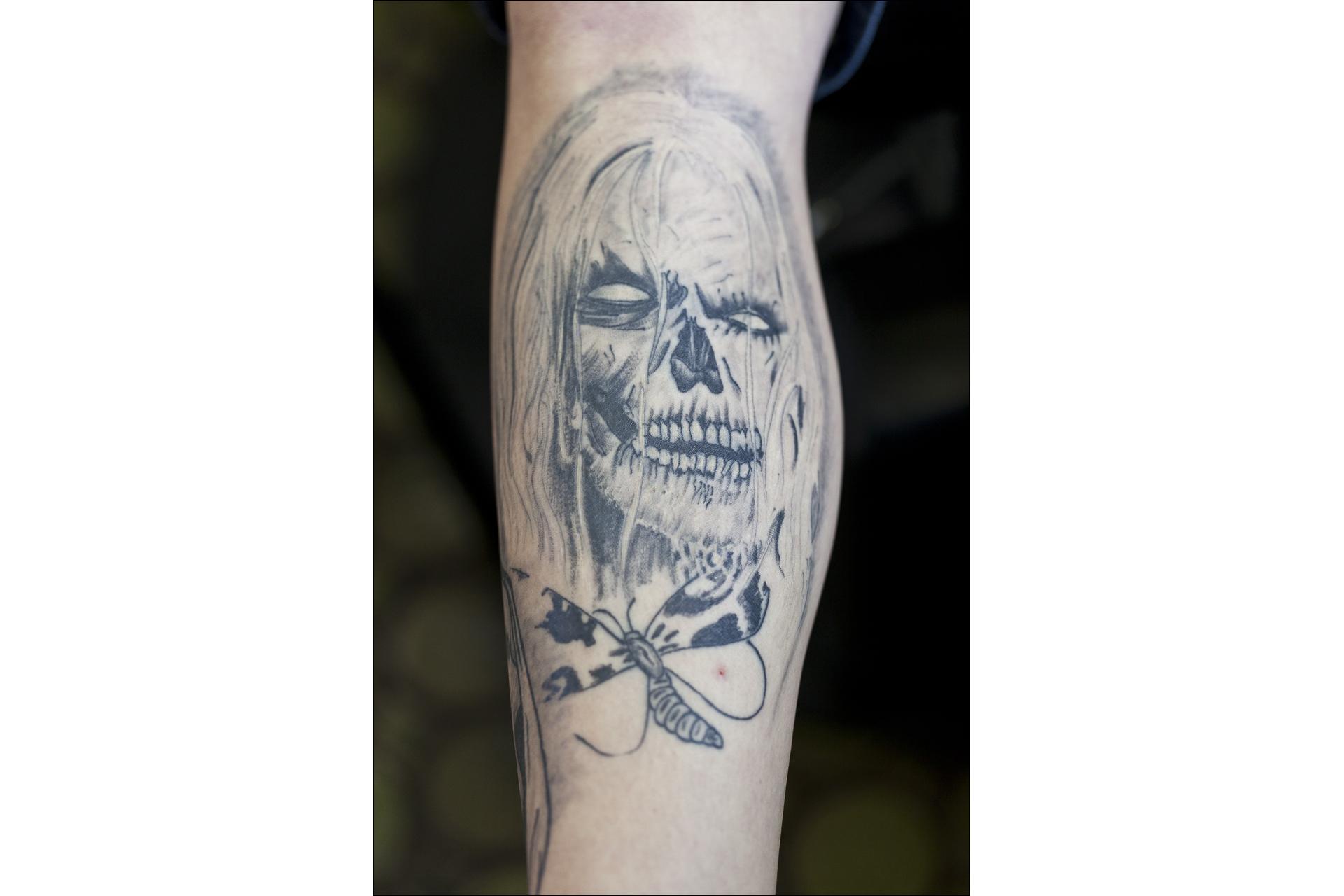 05-120210-tattoohoelle-024