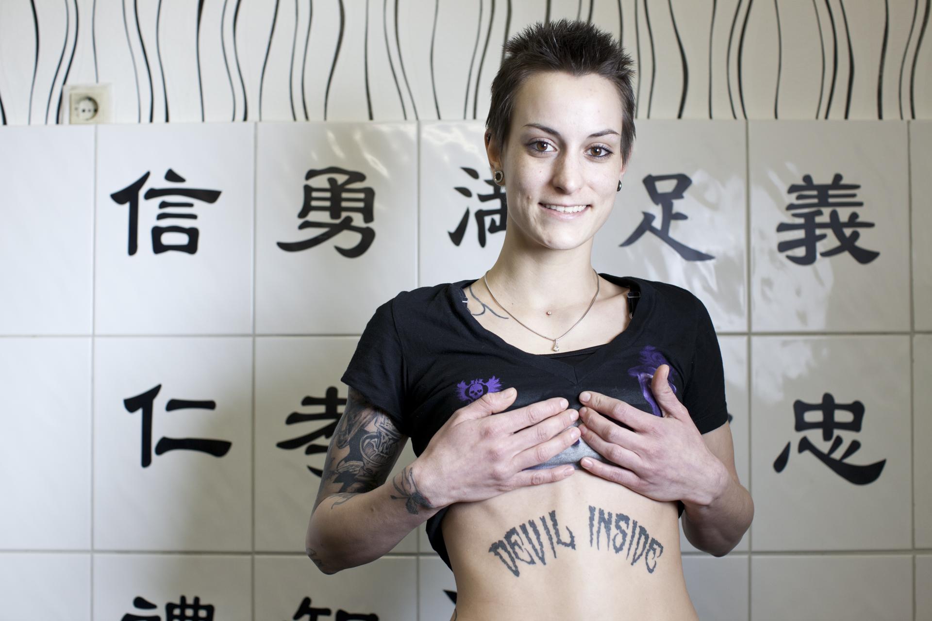 06-120210-tattoohoelle-7043